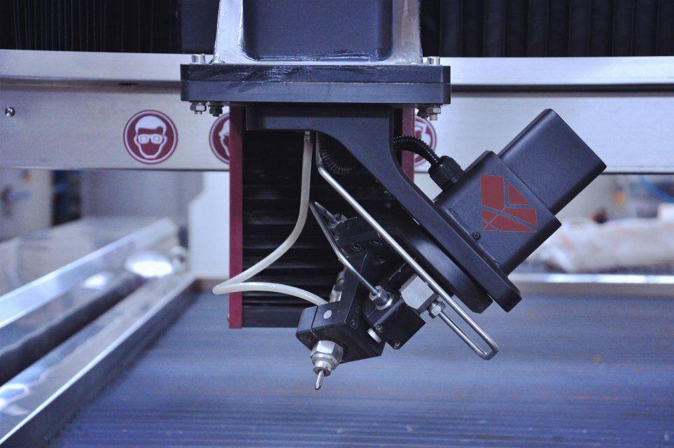 3D 5axis head.jpg de corte waterjet